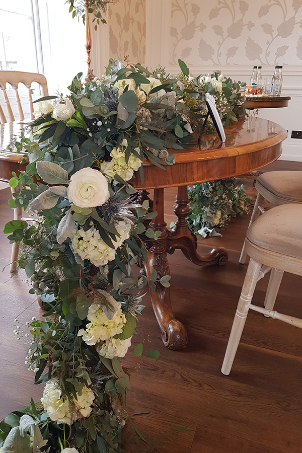 Ceremony table garland